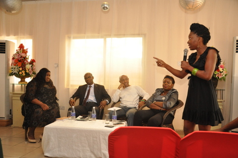 Chinyere Ogwuegbu asking a question from the Panelists