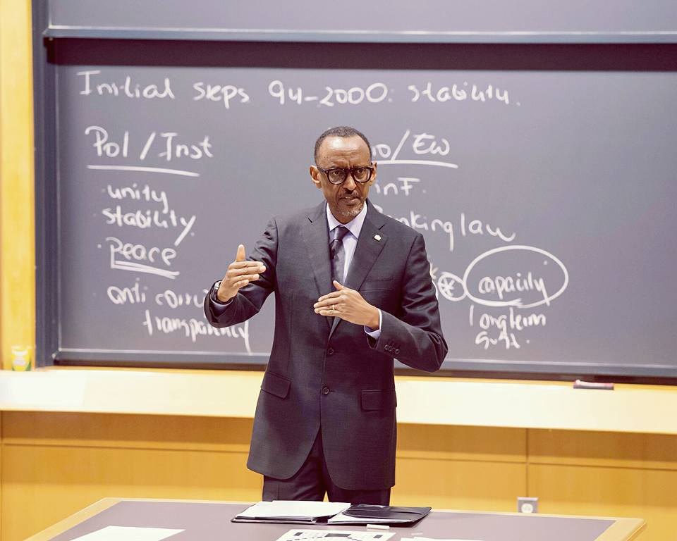 President Paul Kagame lecturing Harvard 2016/2017 Class